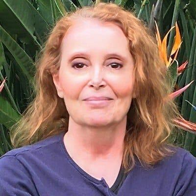 Dr Angela Stanton
